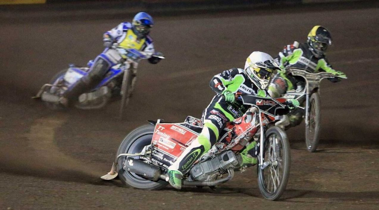 Eastbourne-Eagles_Credit-Mike-Hinves_10