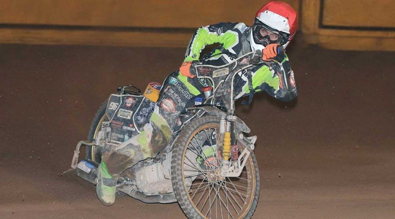 Eastbourne-Eagles_Credit-Mike-Hinves_6