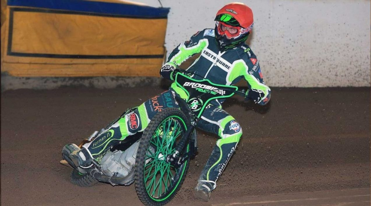 Eastbourne-Eagles_Credit-Mike-Hinves_7