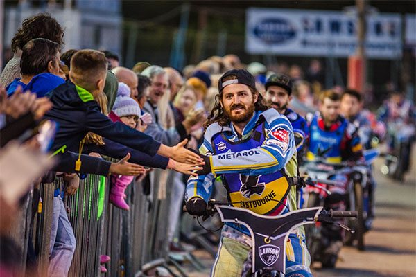 Eastbourne-Eagles-Speedway_Free-Admission-for-all-11-year-old-children-and-under